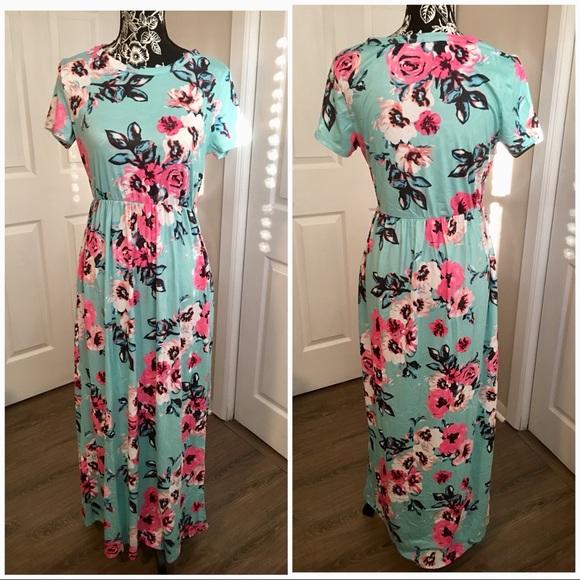 7eb19b1661c Mint Green Floral Maxi Dress with Pockets